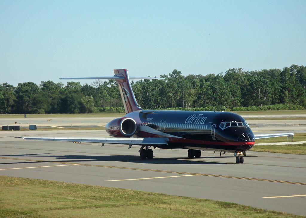 N891AT B717-200 (MCO) Air Trans [Atlanta Falcons cs]