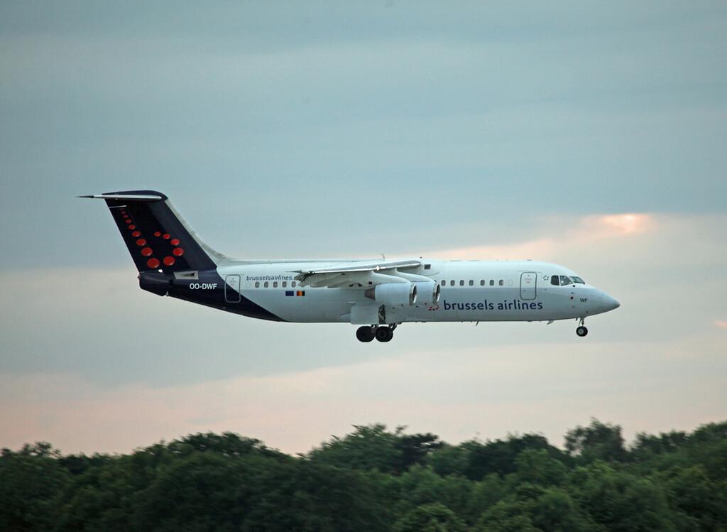 OO-DWF BAE 146-RJ100 (MAN) Brussels Airlines (2)