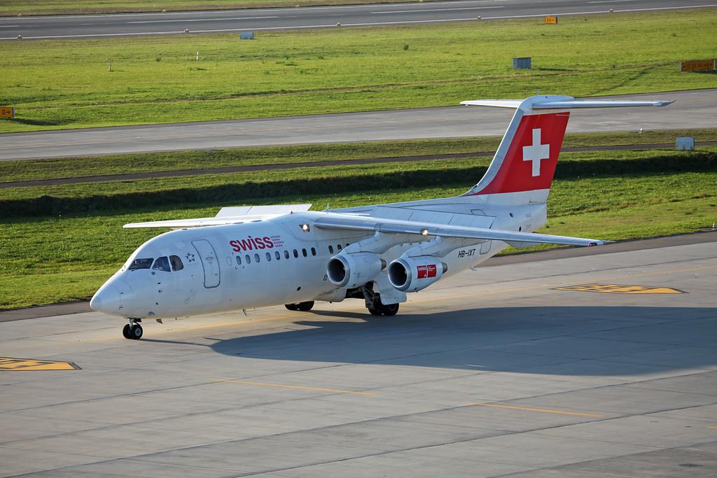 HB-IXT BAe AVRO 146-RJ100 (Zurich) Swiss European Air Lines AG