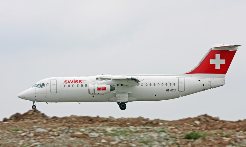 HB-IXU British Aerospace Avro RJ-100 (MAN) Swiss European Air Lines1