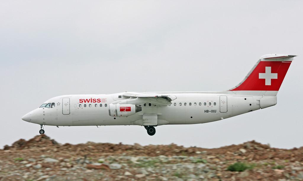 HB-IXU British Aerospace Avro RJ-100 (MAN) Swiss European Air Lines1