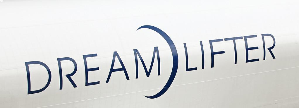 'Dreamlifter' (N718BA B747-8H6)