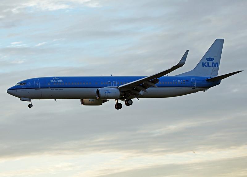 PH-BXR B737-900 (MAN) KLM 3