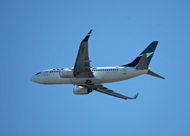 C-GTWS Boeing B737-76N (in flight over Vancouver) Westjet