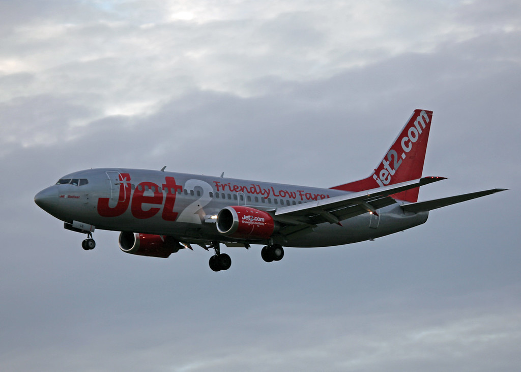 G-CELE B737-300 (MAN) Jet 2