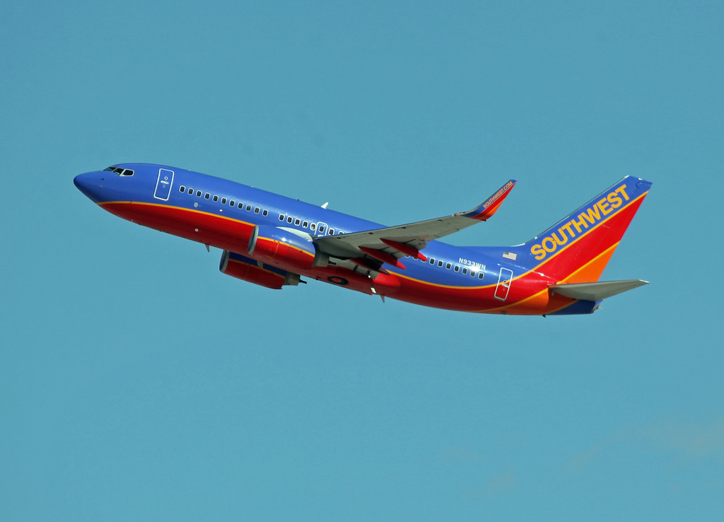 N933WN B737-7H4 (LAS) Southwest Airlines (1)