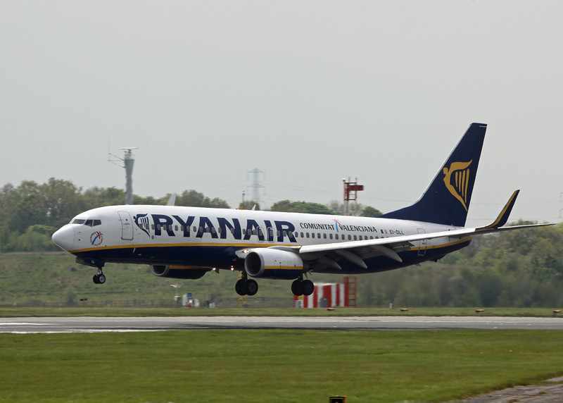 EI-DLL Boeing B737-8AS (MAN) Ryanair
