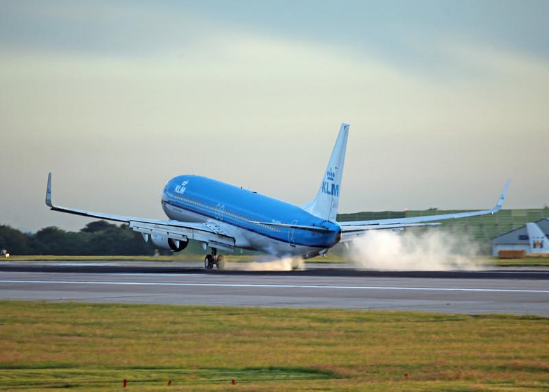 PH-BXR B737-900 (MAN) KLM 2