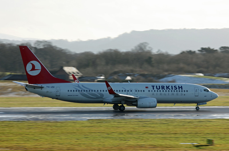 TC-JGI B737-8F2 (MAN) Turkish (2)