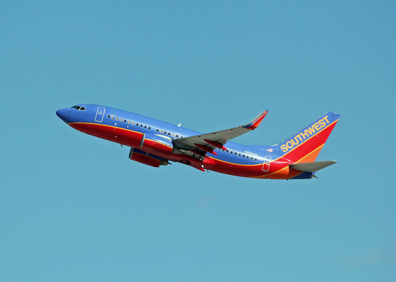 N226WN B737-7H4 (LAS) Southwest Airlines (2)