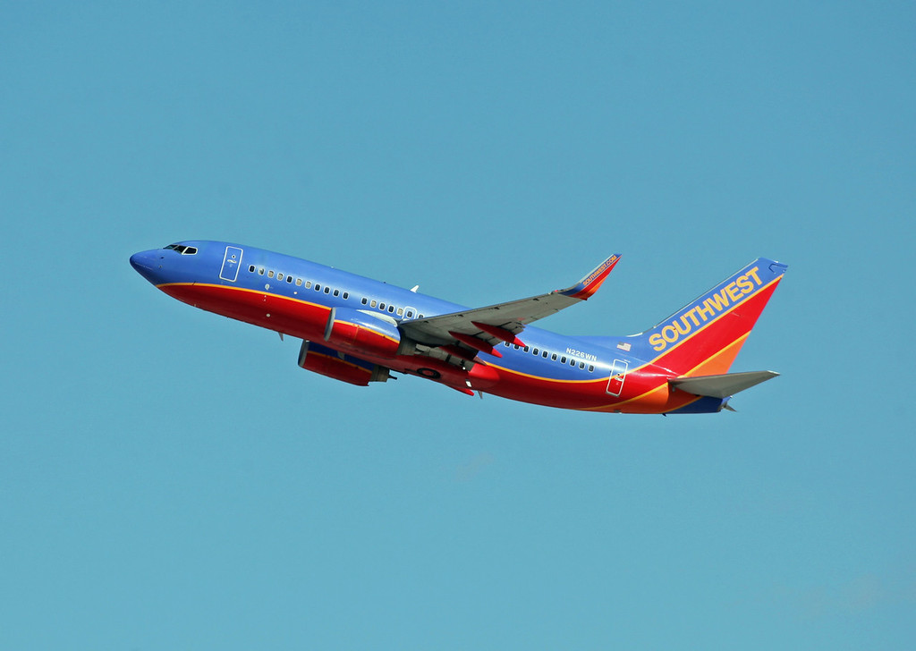 N226WN B737-7H4 (LAS) Southwest Airlines (2)