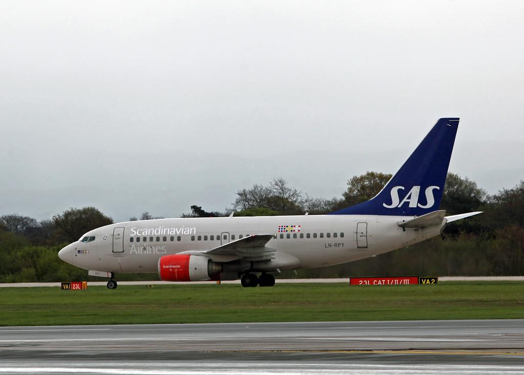 LN-RPY Boei g B737-600 (MAN) Scandinavian Airlines