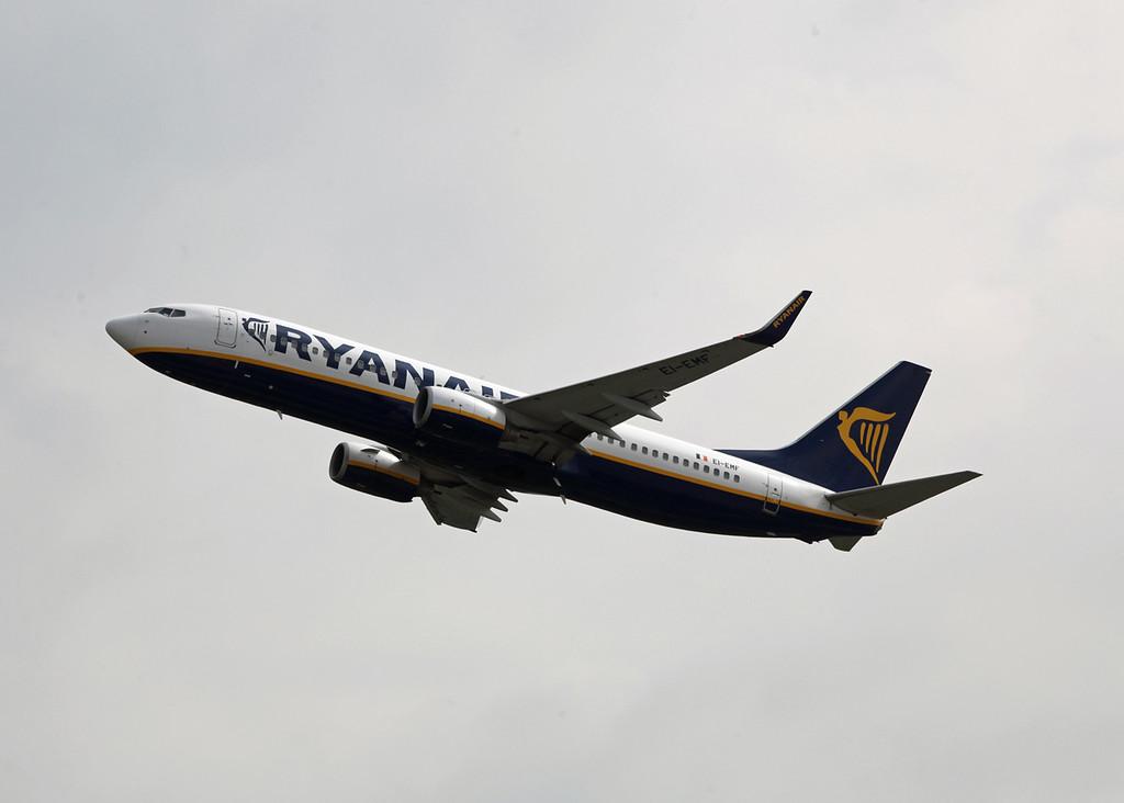EI-EMF Boeing B737-800 (MAN) Ryanair