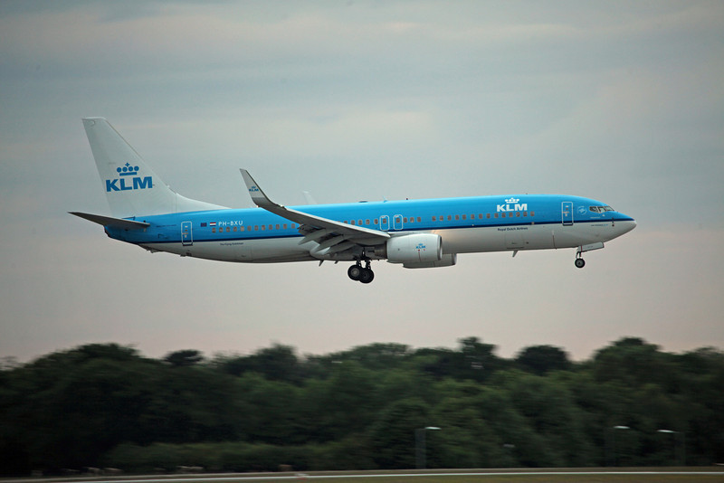 PH-BXU B737-800 (MAN) KLM