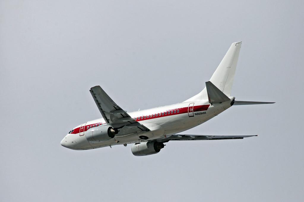 N869HH B737-66N (LAS) DEPARTMENT OF THE AIRFORCE (USAF) (3)