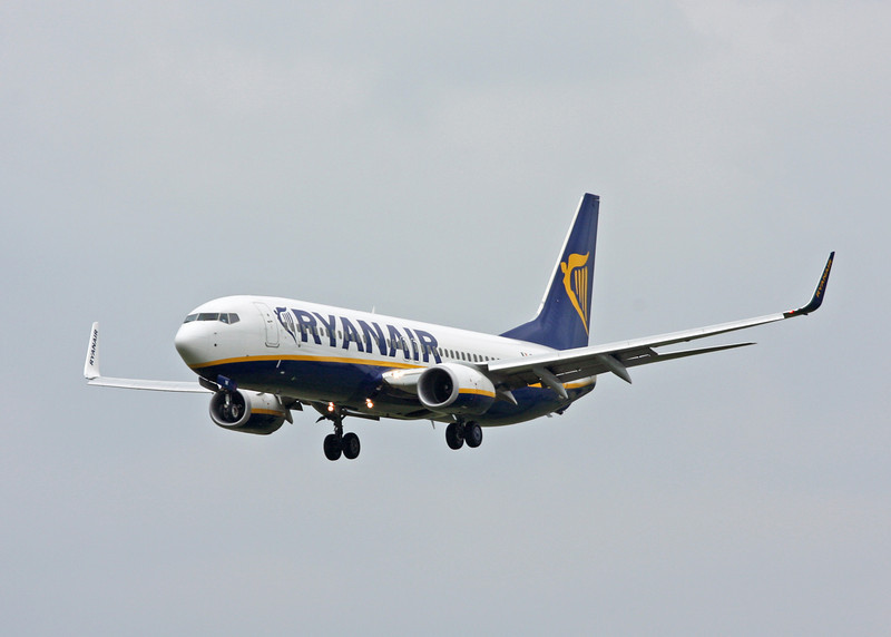 EI-DYK Boeing B737-8AS:W (MAN) Ryanair 1