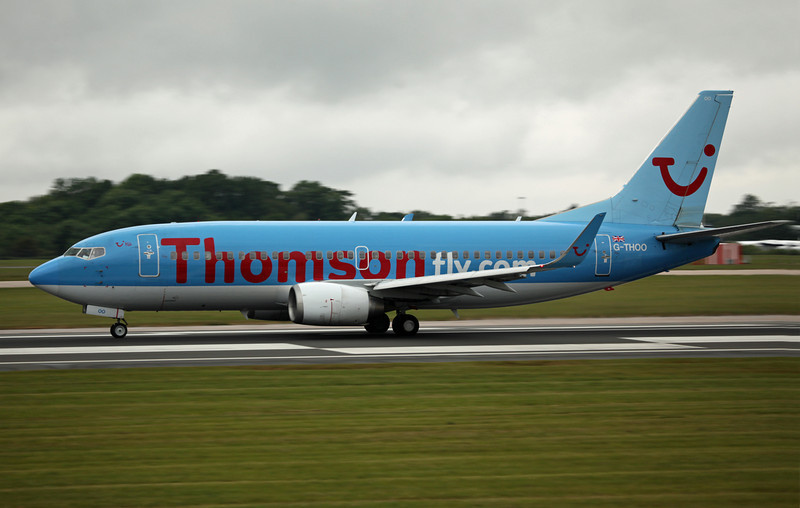 G-THOO B737-300 (MAN) Thomson