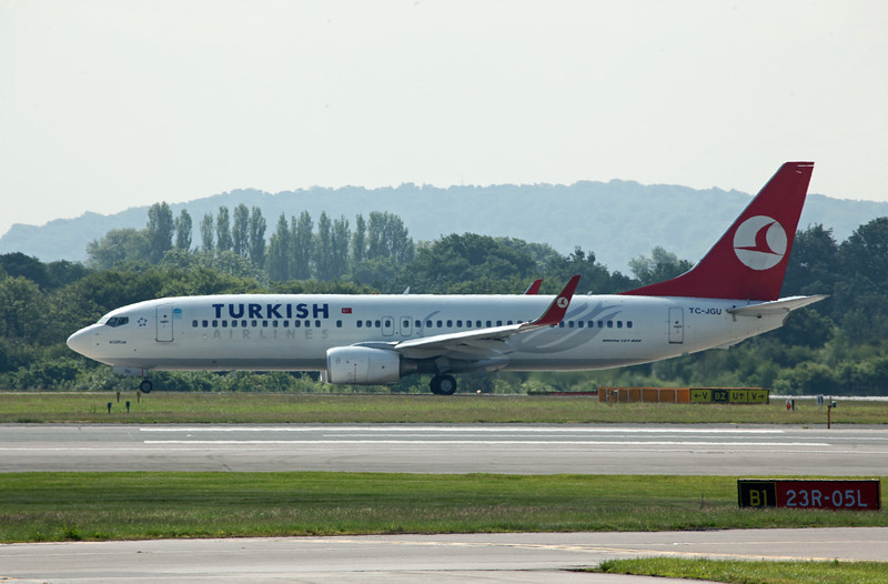 TC-JGU B737-8F2 (MAN) Turkish
