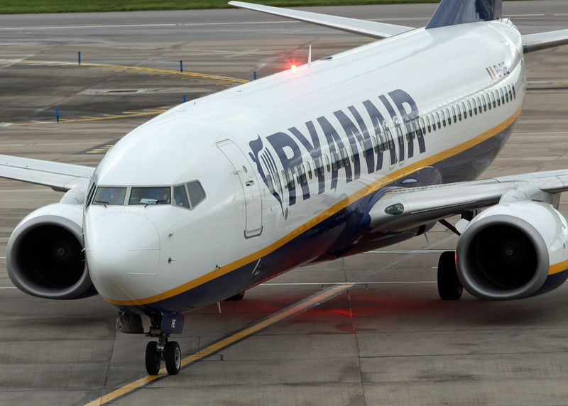 EI-DHE Boeing B737-800 (MAN) Ryanair