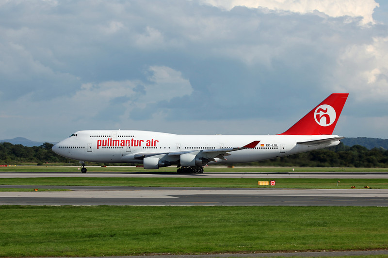 EC-LGL B747-400 (MAN) Pullmantur Air 2
