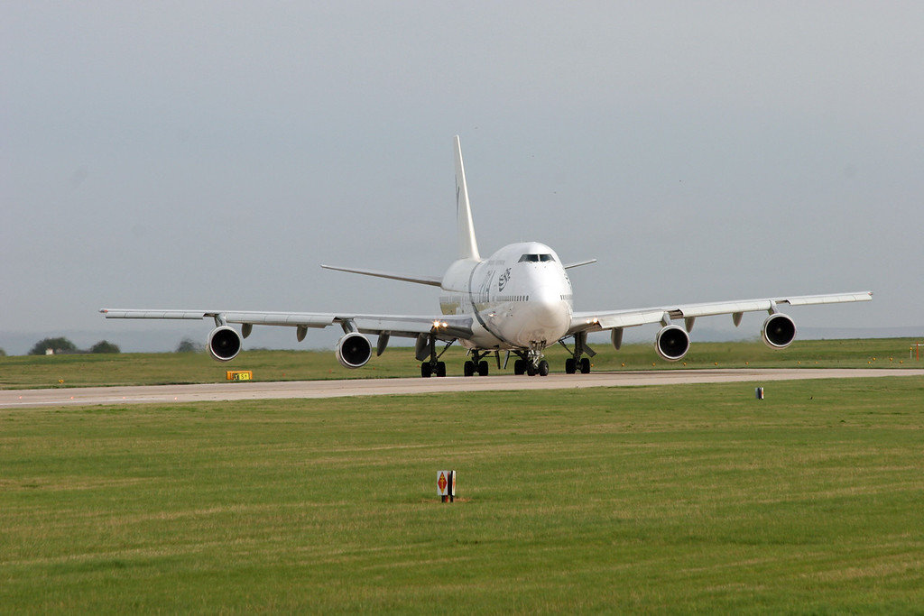 AP-BGG Boeing B747-367 (MAN) Pakistan International Airlines 2