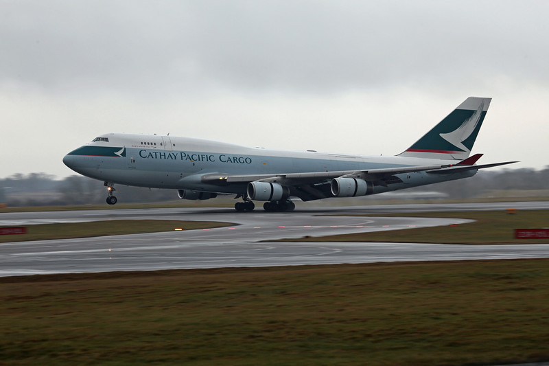 B-HOZ B747-467BCF (MAN) Cathay Pacific