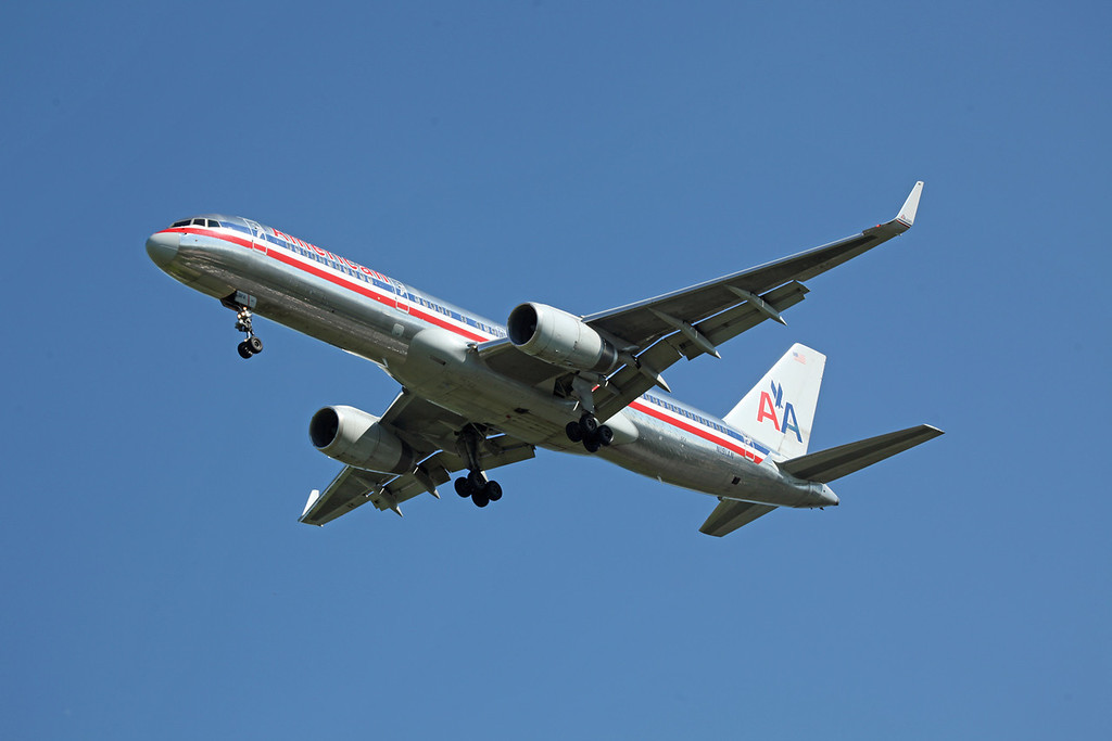 N191AN B757-200 (MAN) American Airlines (2)