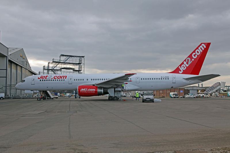 G-LSAD B757-236 (MAN) Jet 2