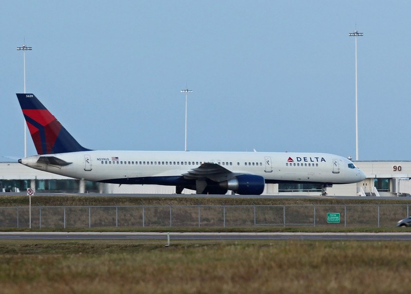 N539US Boeing B757-231 (Orlando international Airport) Delta