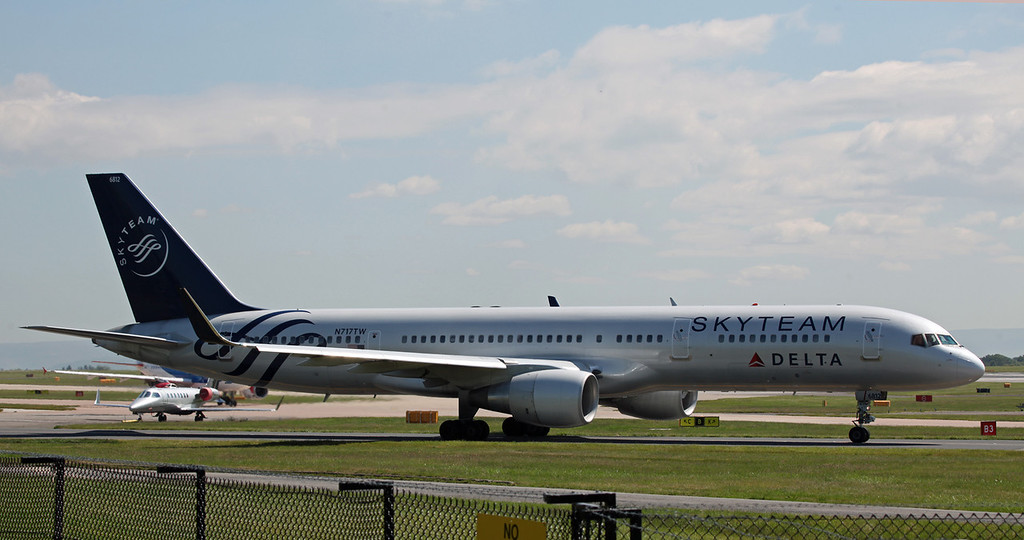N717TW B757-200 (MAN) Delta Airlines (Skyteam C-S)