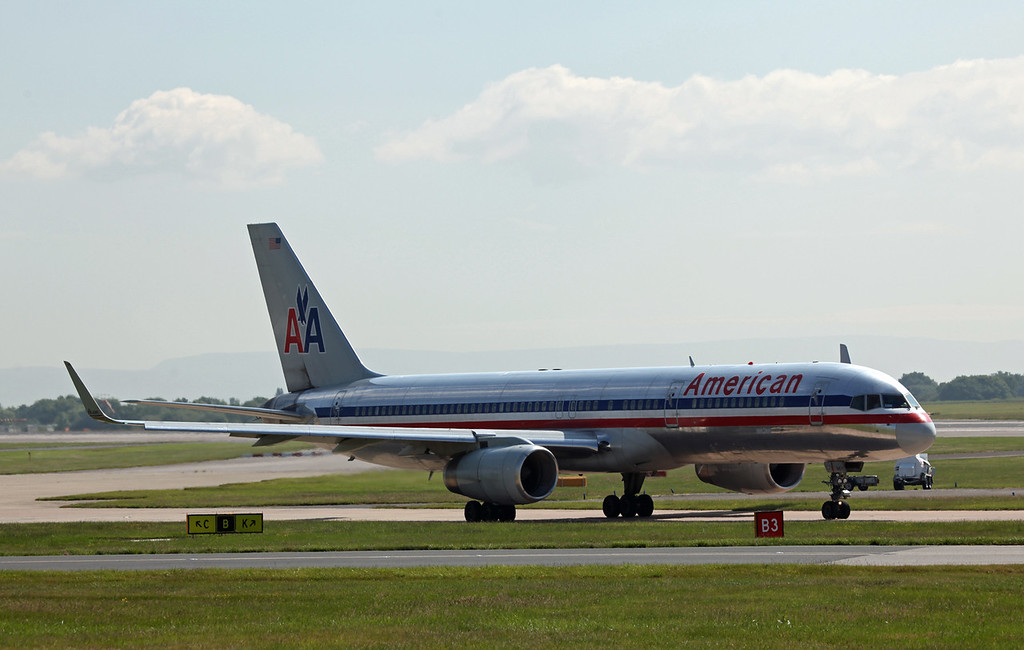 N185AN B757-200 (MAN) Amerian Airlines