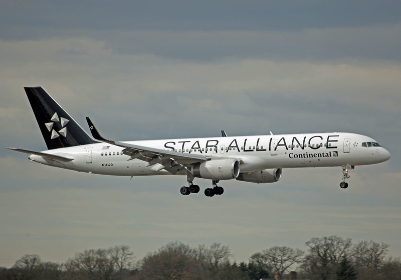 N14120 Boeing B757-224 (MAN) Continental Airlines (Star Alliance Scheme)