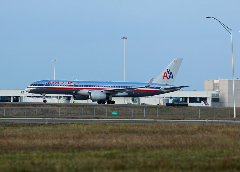 N188AN Boeing B757-223 (Orlando international Airport) American Airlines