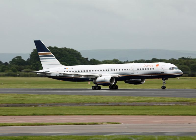 EC-ISY Boeing B757-256 (MAN) Priviledge (PVG) [3]