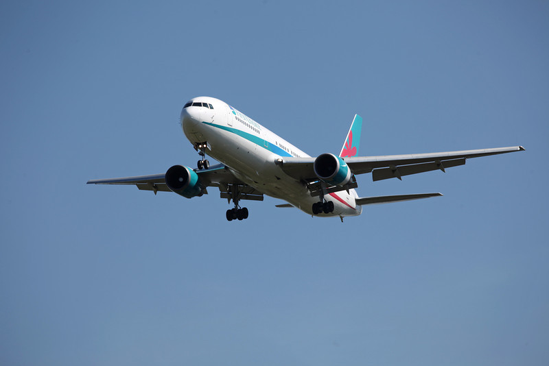 G-PJLO Boeing B767-300 (MAN) Thomson (2)