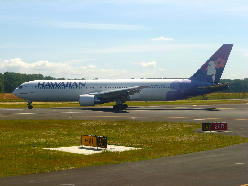 N593HA Boeing B767-300ER (Portland International Airport) Hawaiian Air