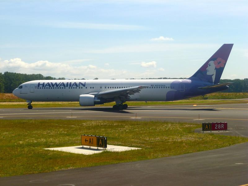 N593HA Boeing B767-300ER (Portland International Airport) Hawaiian Air