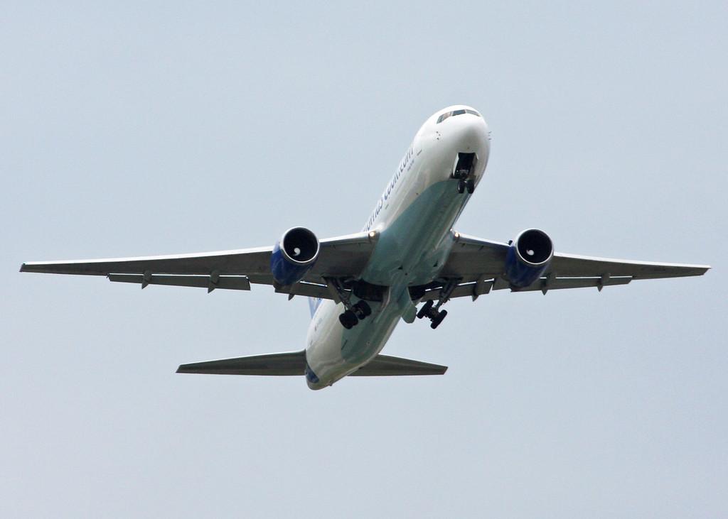 G-TCCA Boeing B767-31K (Tatton Park) Thomas Cook Airlines 2