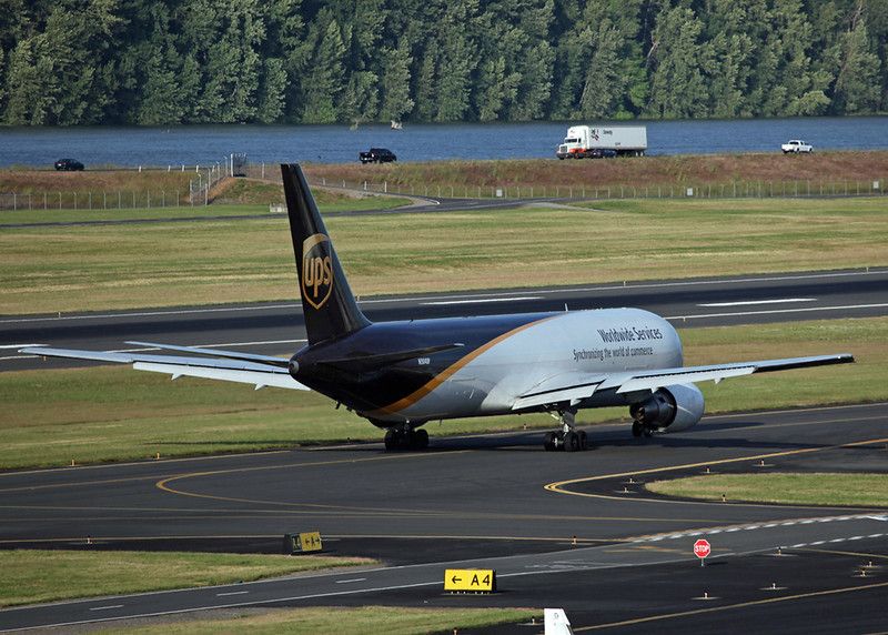 N304UP Boeing 767-34AF (Portland, OR) United Parcel Service