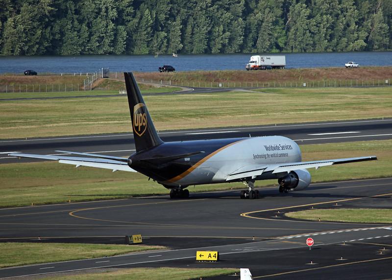 N304UP Boeing 767-34AF (Portland, OR) United Parcel Service