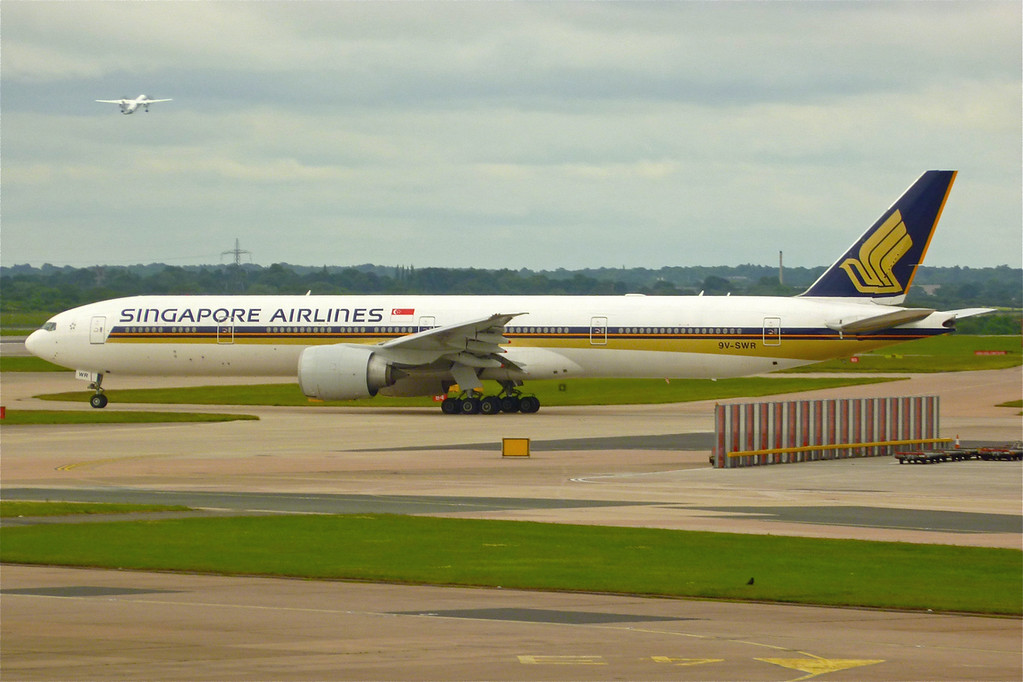 9V-SWR Boeing B777-312ER (MAN) Singapore Airlines