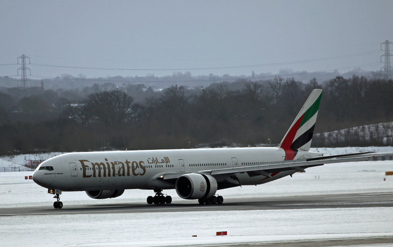 A6-EBS B777-31HER (MAN) Emirates