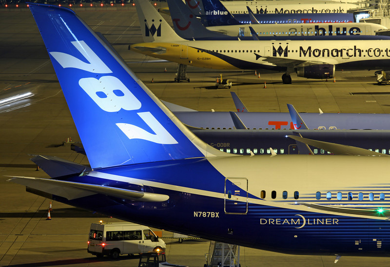 N787BX Boeing B787 (MAN) Boeing [tail]