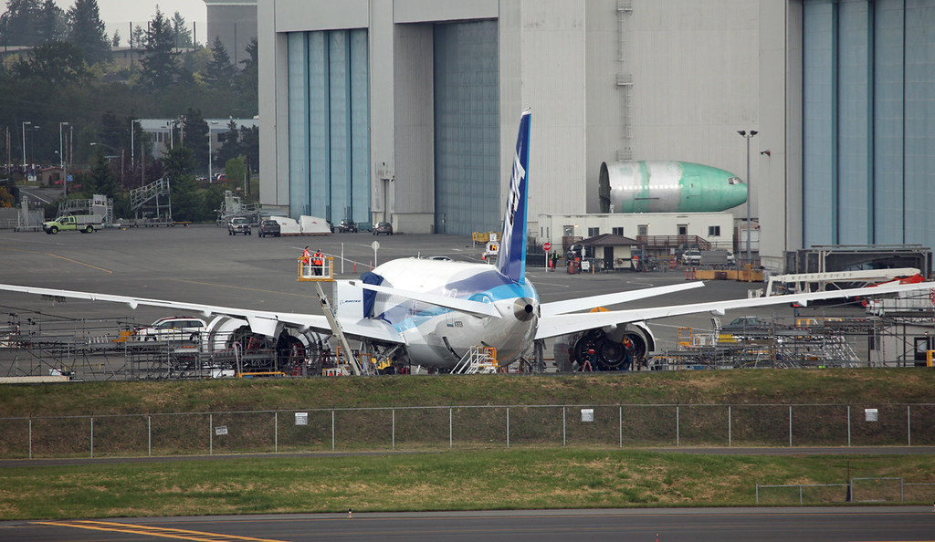 N787EX Boeing B787-83Q 'Dreamliner' (Boeing Field) Boeing Aircraft Co (Experimental but displaying ANA colours)