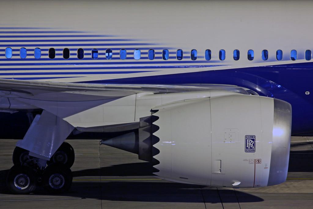 N787BX Boeing B787 (MAN) Boeing 2
