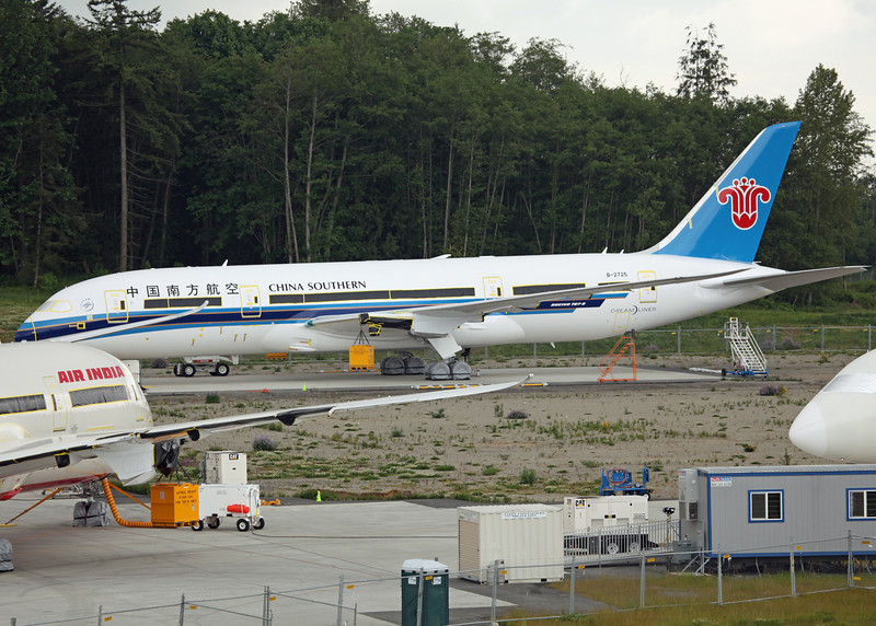 B-2725 Boeing B787-800 'Dreamliner' (Boeing Field) China Southern Airlines [No Engines]
