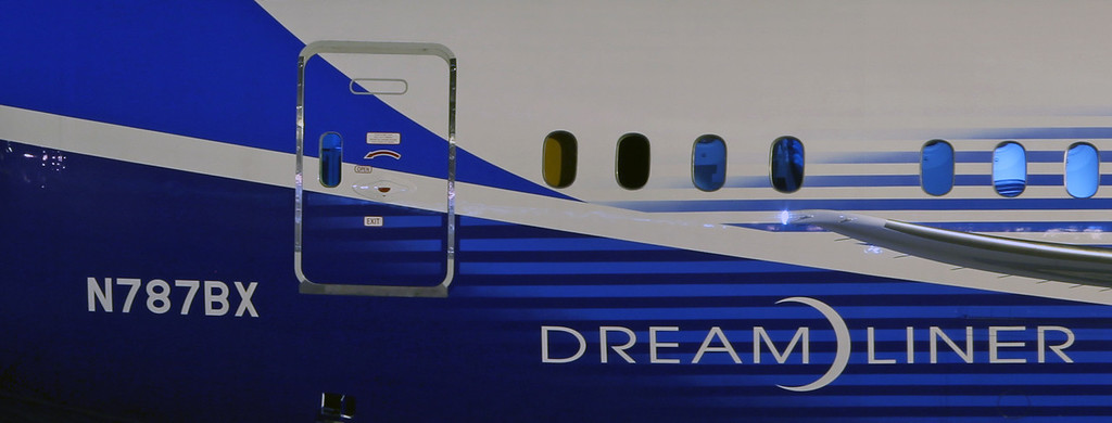 N787BX Boeing B787 (MAN) Boeing [title & reg]