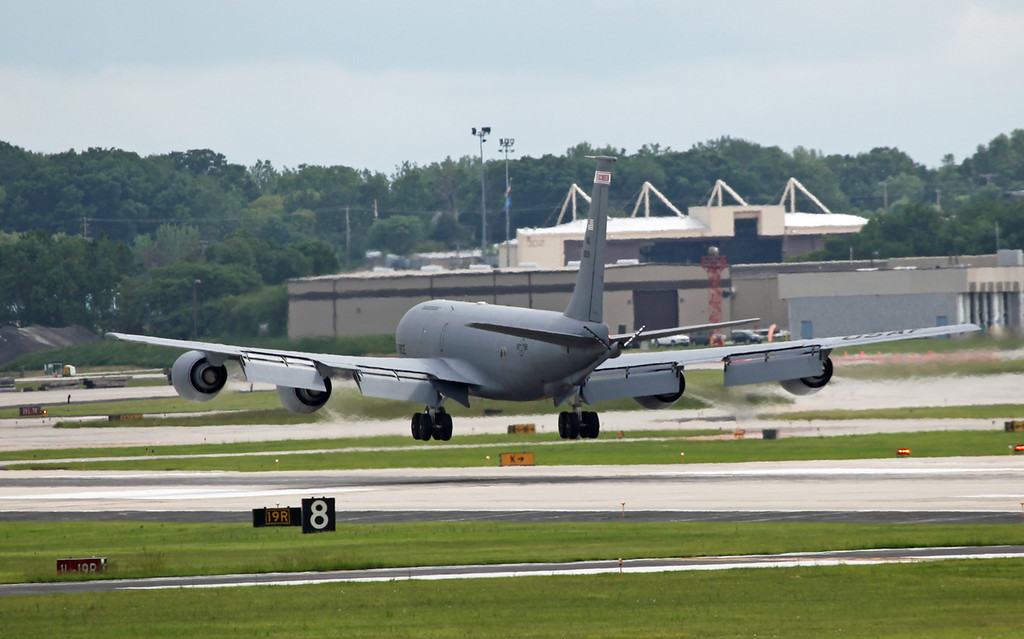 80-059 Boeing KC135 Stratotanker (General Mitchell Airport - Wisconsin) USAF Air National Guard 6