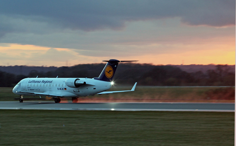 D-ACJE CRJ100LR (MAN) Luthansa Regional (4)