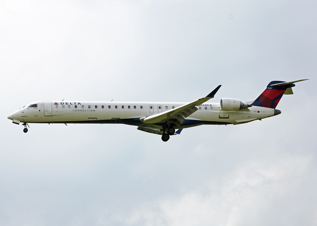 N554CA Bombardier CL600-2D24 (General Mitchell Airport - Milwaukee) Delta Connections